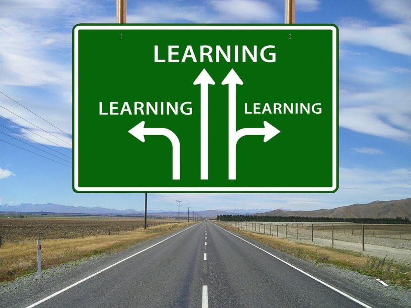 CRMシステムの開発を依頼する際の注意点のイメージ