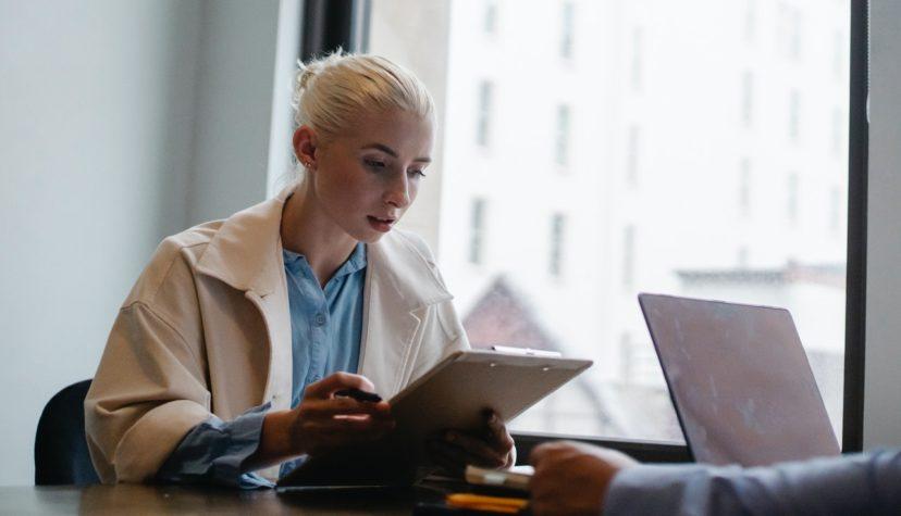 CRMの顧客データの分析方法