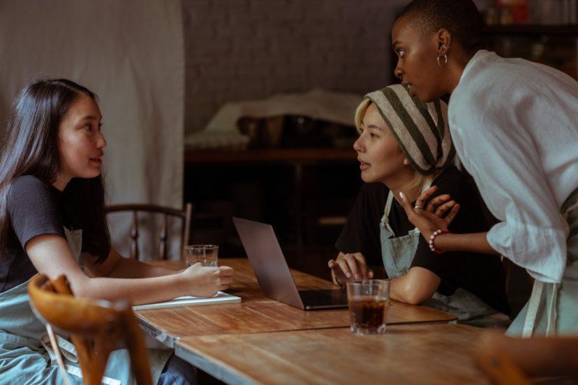 CRMは顧客との密接な関係を築く手法