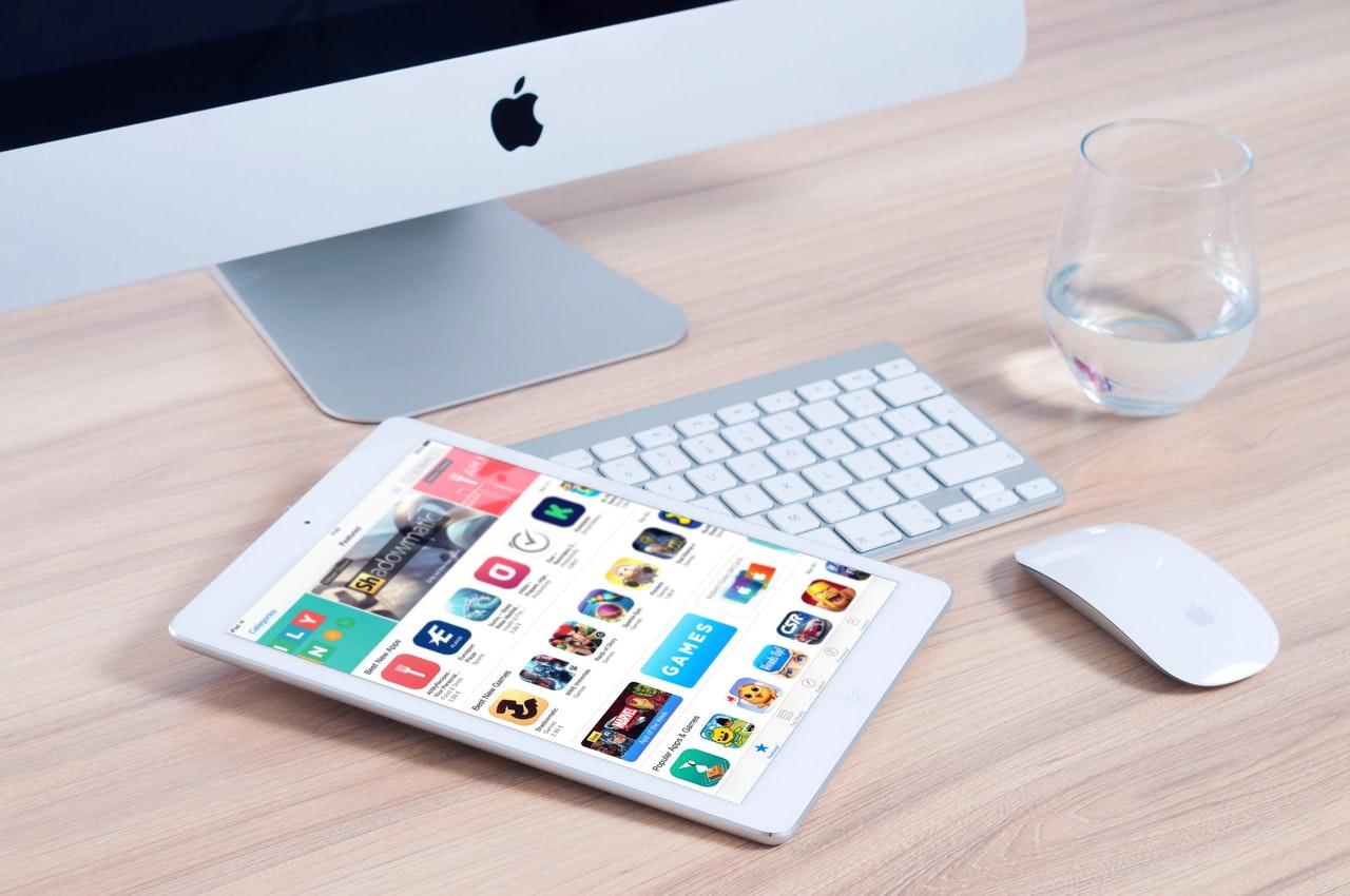 iOSアプリ開発には審査が必要 イメージ画像