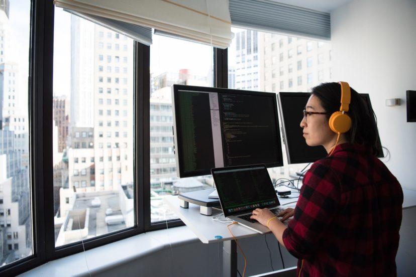 アプリ開発会社に依頼する3つのメリット
