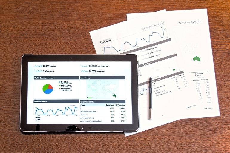 顧客分析手法を取り入れるにはデータを取得しよう イメージ画像