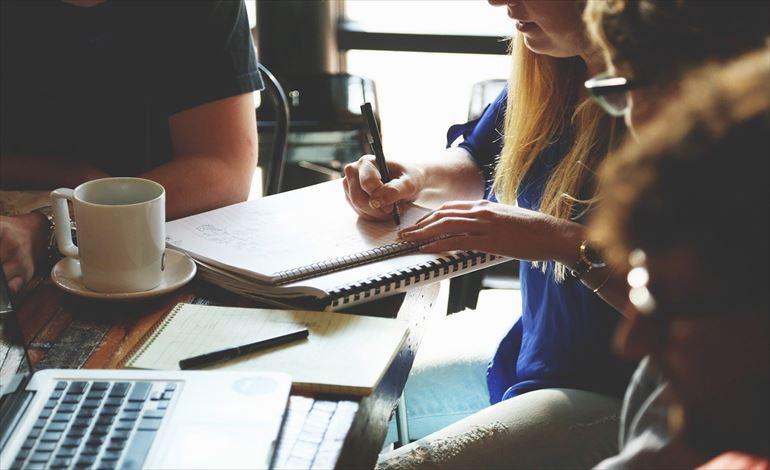 顧客起点マーケティングおける「行動データ」と「心理データ」 イメージ画像