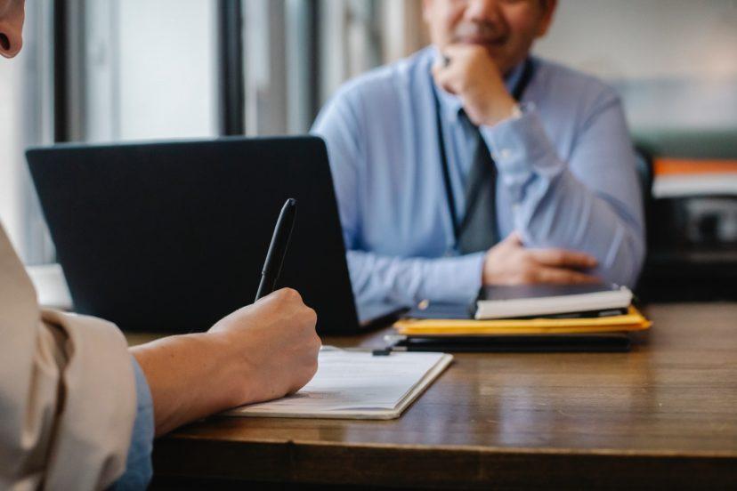 顧客とコミュニケーションをとる3つの方法