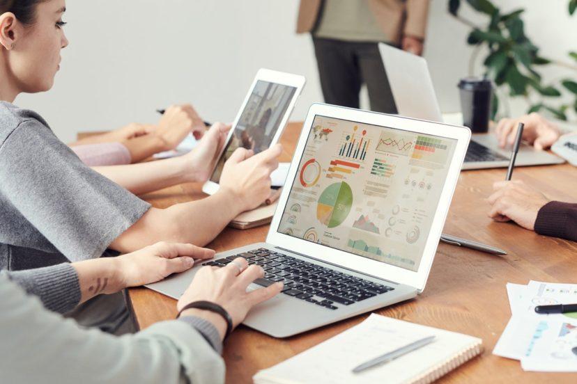 顧客管理をアパレルに導入する方法
