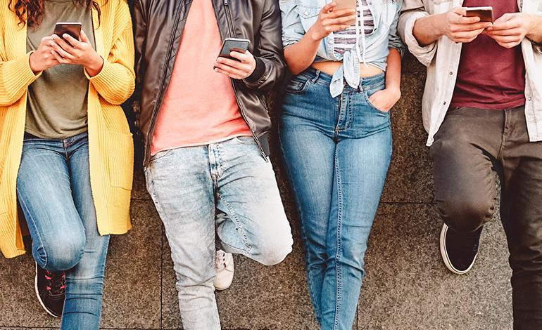 10~20代女性のファッションチェックはアプリから アイキャッチ画像