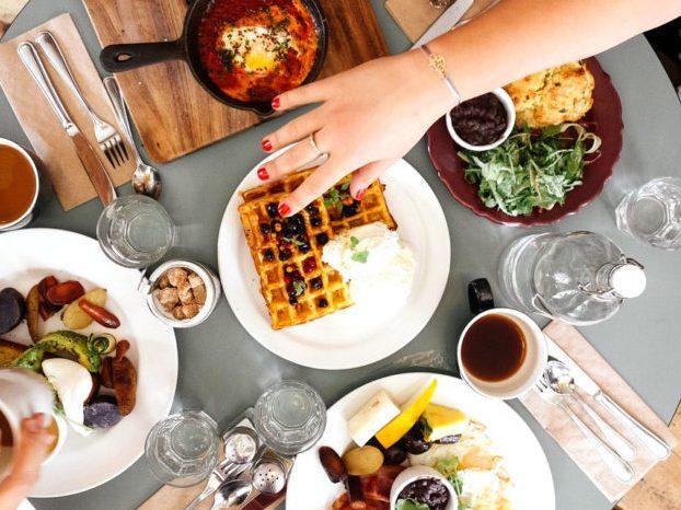 飲食店で常連客や固定客(リピーター)を増やすには? アイキャッチ画像