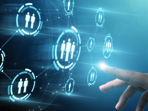 顧客情報を最大限に活用、管理できる「CRM」とは? アイキャッチ画像