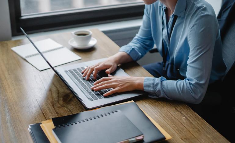 社員の定着率を向上させる取組みとは?採用段階から入社後の対策 アイキャッチ画像