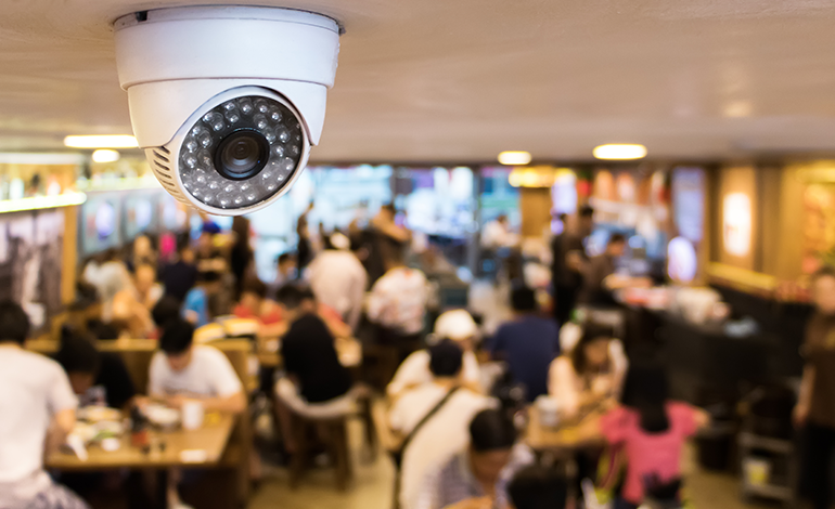 AIカメラを使用したリアルな店舗来店者数など全て分析化 アイキャッチ画像