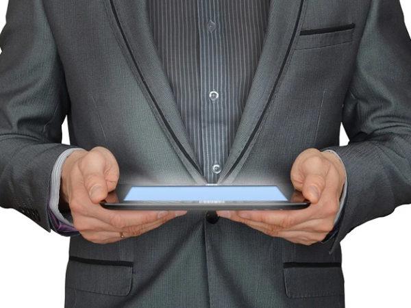 おすすめのビジネスアプリ8選【利用するメリットも解説】 アイキャッチ画像