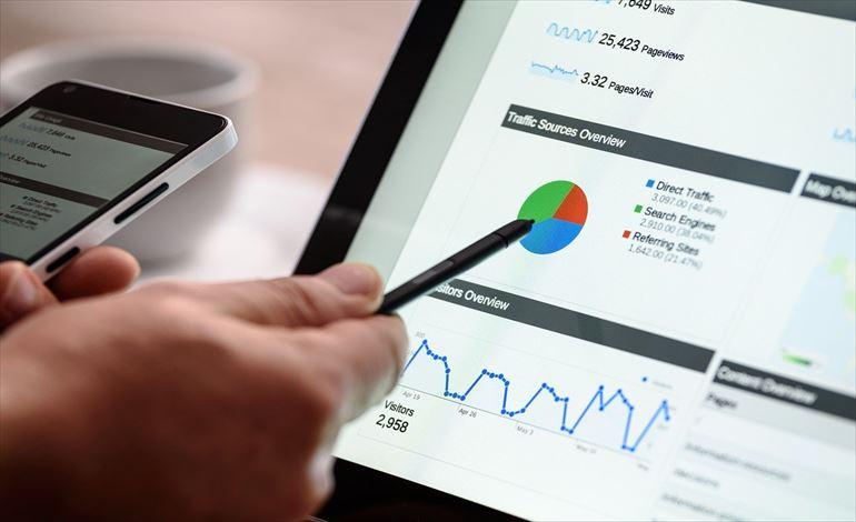 顧客起点マーケティングとは?要約や分析手法、事例を解説! アイキャッチ画像