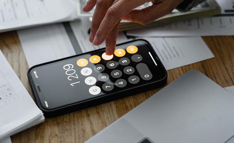店舗アプリの導入にかかる料金一覧|安い料金の店舗アプリも紹介 アイキャッチ画像