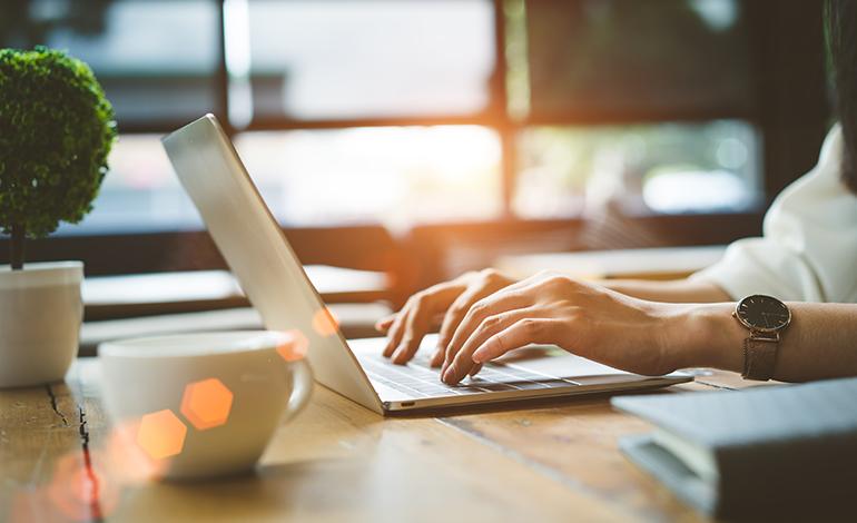 データ分析とは?Excelで行う方法や成功事例、関連資格を紹介! アイキャッチ画像
