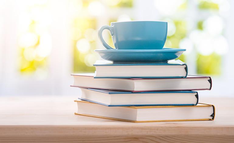 本から学ぶDX DX関連のオススメ書籍4選の内容や価格・評判を紹介 アイキャッチ画像