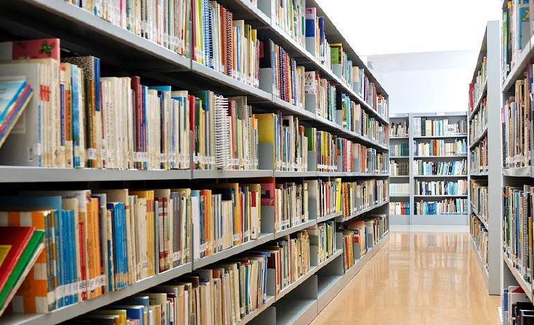 DXを学ぶには書籍がおすすめ!今読んでおきたいおすすめのDX書籍をご紹介! アイキャッチ画像
